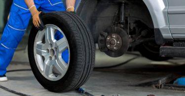 Vérifier les pneus de son véhicule